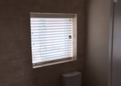 bathroom-venetian-blind