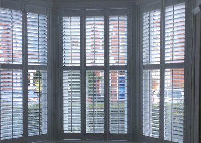 shutters-lounge-open