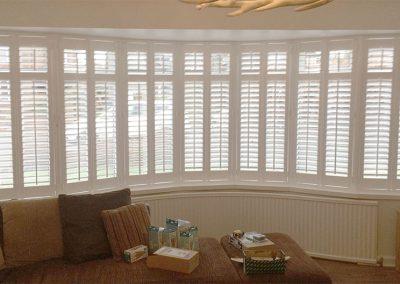 plantation-shutter-bay-window